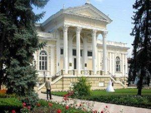 Путешествие без забот: Львов, Одесса, Киев. Что предпочесть? Куда звонить? Где поселиться?